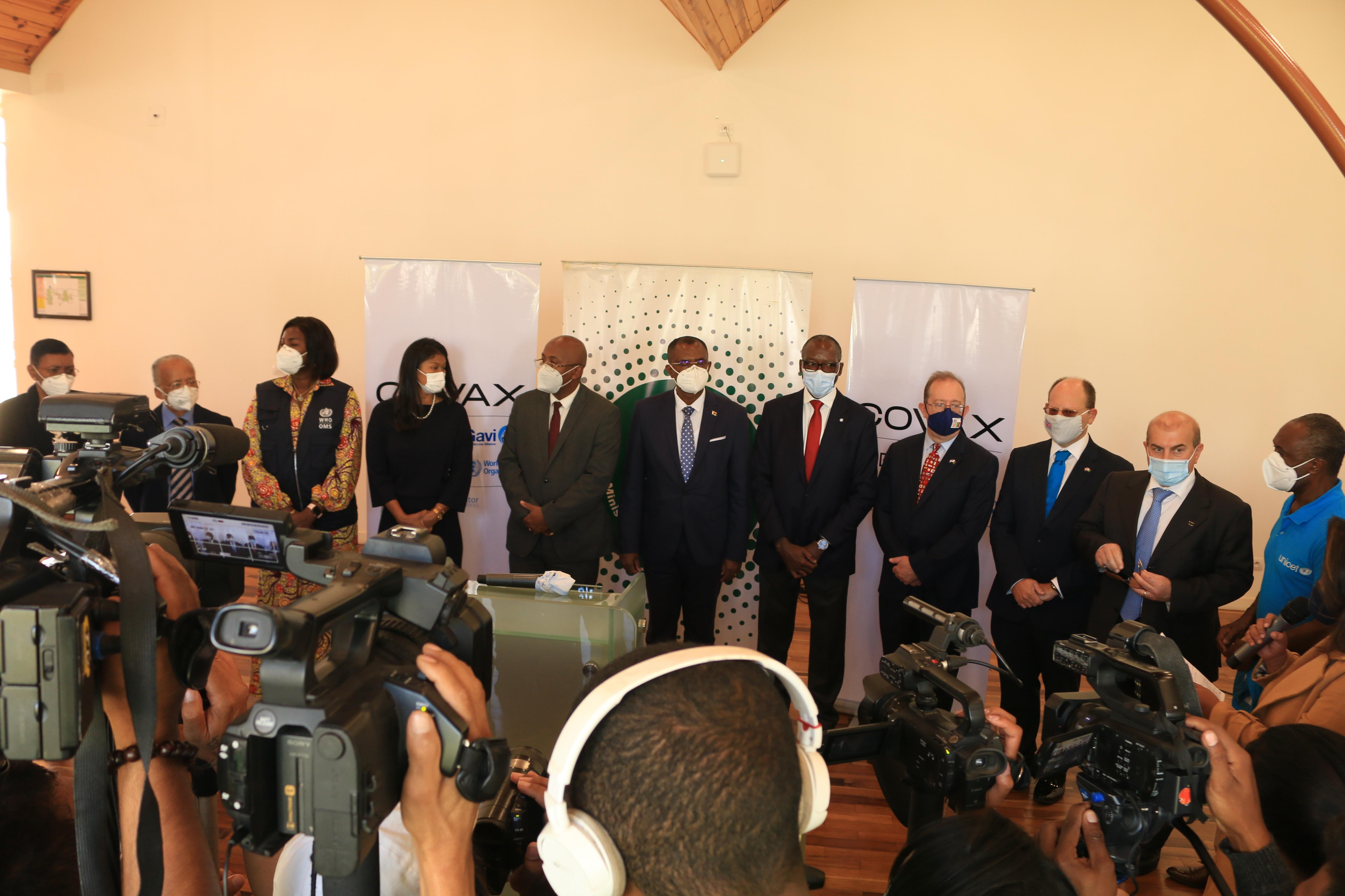 Madagascar reçoit un premier lot de 250 000 doses de vaccins dans le cadre de l'initiative COVAX